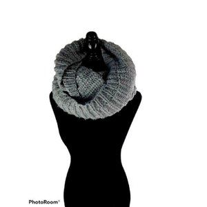 element large grey chunky knit scarf